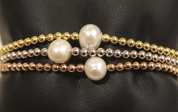 Pack de pendientes + 3 pulseras de perlas
