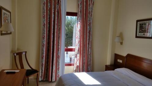 Madrid: hotel 3* + entrada parque Faunia
