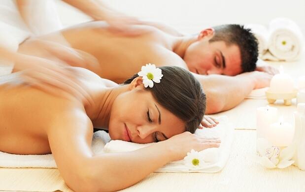 Masaje en pareja con cava y suite privada