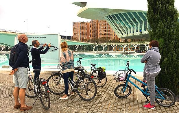 Ruta guiada en bici de 3h por el río Turia