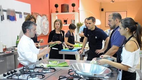 Sesi n del curso pr ctico de cocina b sico descuento 36 for Valencia club de cocina