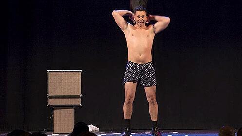 'Sólo para adultos' con Karim en el Teatro Talía